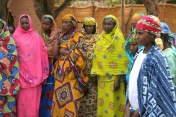 group_of_peul_women_in_paoua